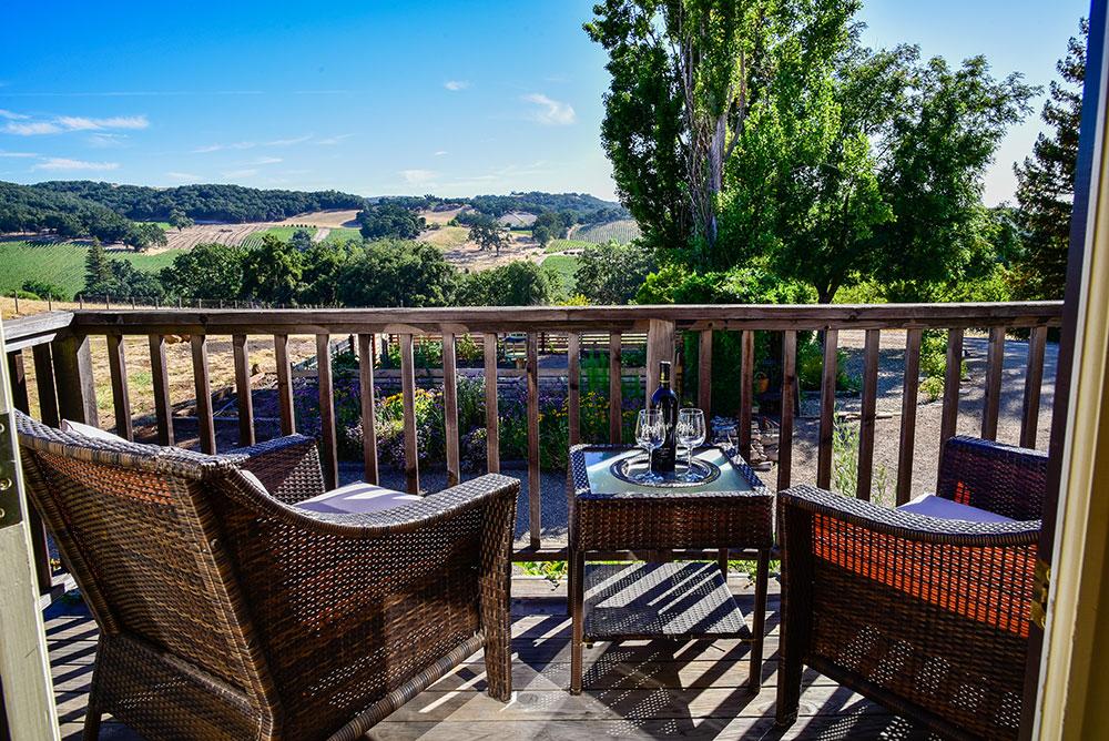 Countryside-balcony-3329