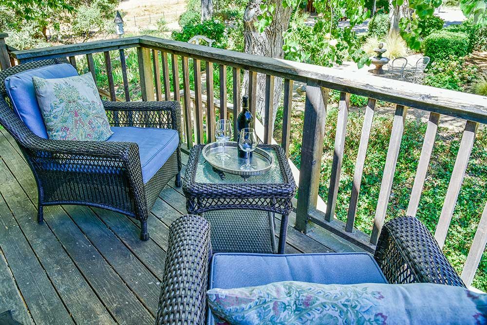 the garden room t orchard hill farm bed and breakfast offer private deck with views over the garden and nearby vineyards